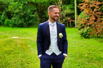 Fotografo sposo posa.jpg