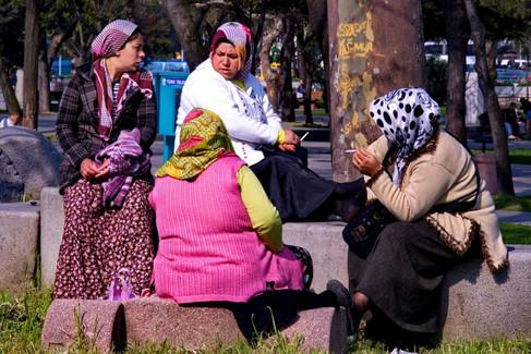Istanbul : des gens ...