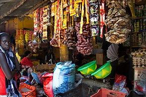Mbour : marché et port de pêche traditionnelle