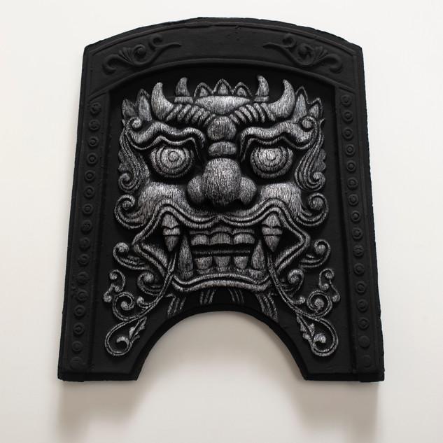 도깨비(Roof tile with Goblin face, 귀면기와), 새김, Acrylic on Roof tile, 24.7x22x4cm, 2021