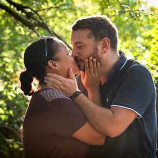 Portrait de couple en extérieur