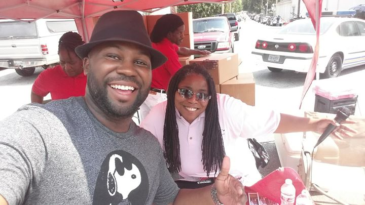 Tamika Heard with Makeda's Cookies is showing love today! EntreMemphis is doing the same, get out an