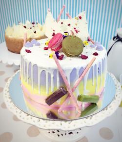 Signature Drip Cake Dolce Vita