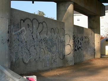 stockvault-walls-with-graffiti96964.jpg