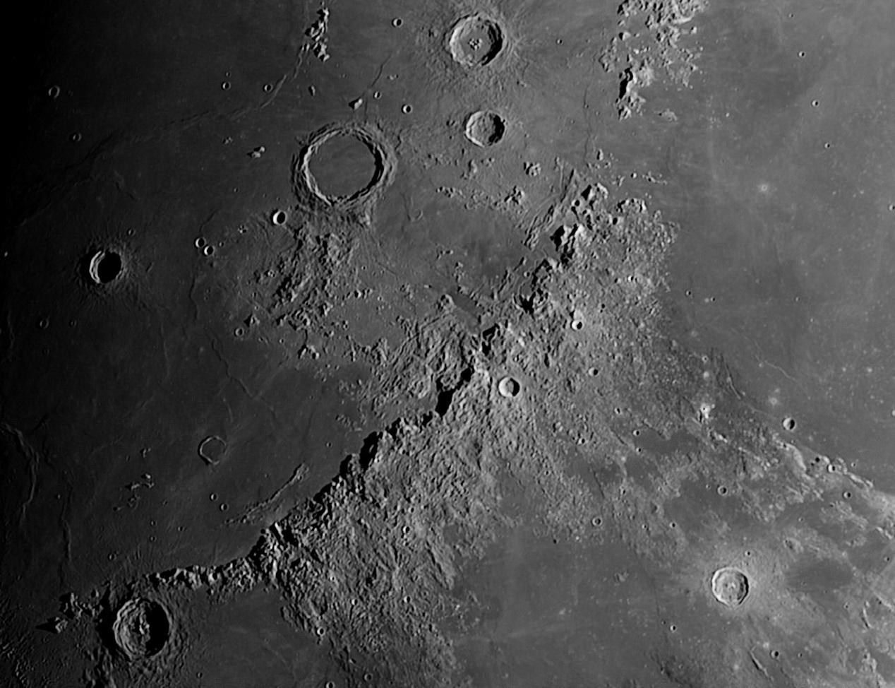 Moon 190039 17 03 2016 Apennine Mountain Range
