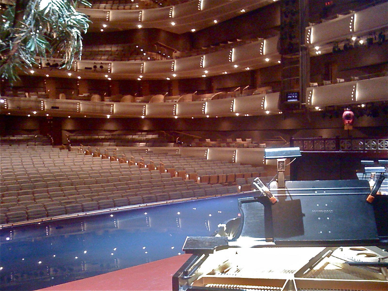 Candian Opera Co - Toronto
