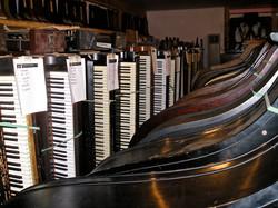 Selecting pianos