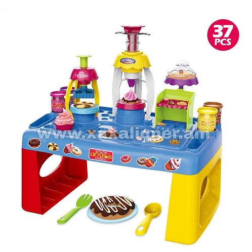 Կեքսեր և թխվածքաբլիթներ պատրաստելու հավաքածու սեղանիկով