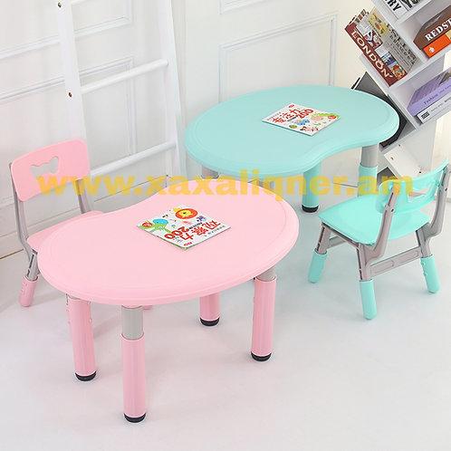 Գեղեցիկ պլաստմասե սեղան աթոռիկով
