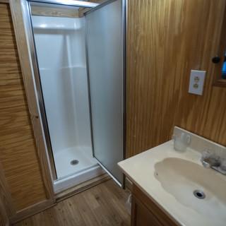 Joshua Room (Bathroom)