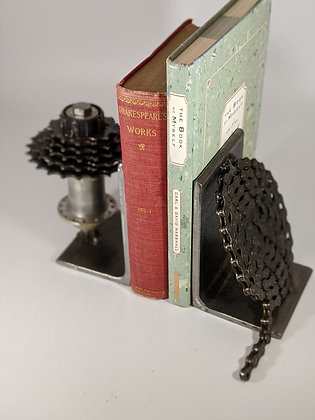 Bike gear and chain bookends