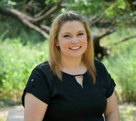 Amanda Profile Pic.jpg