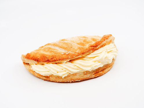 Apple Turnover with Cream