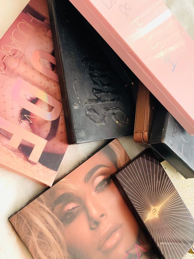 Eyes and face pallets: Natasha Denona, Huda Beauty, Smashbox, Charlote Tilbury, KVD, Urban Decay.
