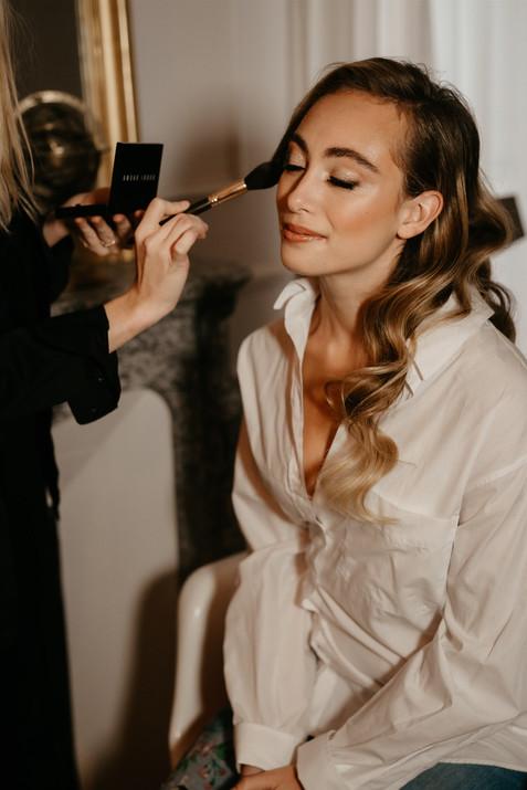 Hollywood waves bridal hairstyle makeup
