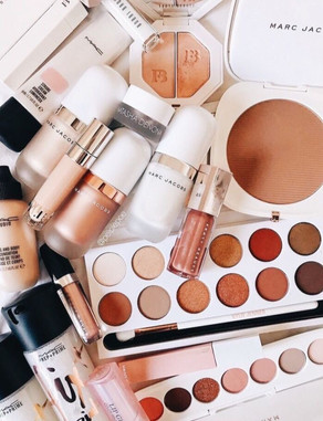 Face and eyes products: Marc Jacobs, Mac