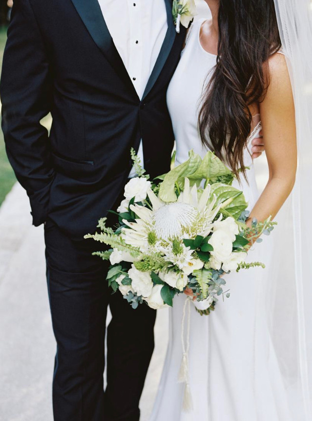 bride white dress hairtyle loose waves