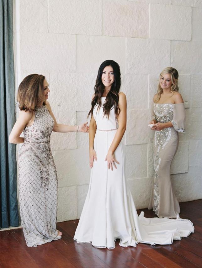 bride bridal party bridesmaids
