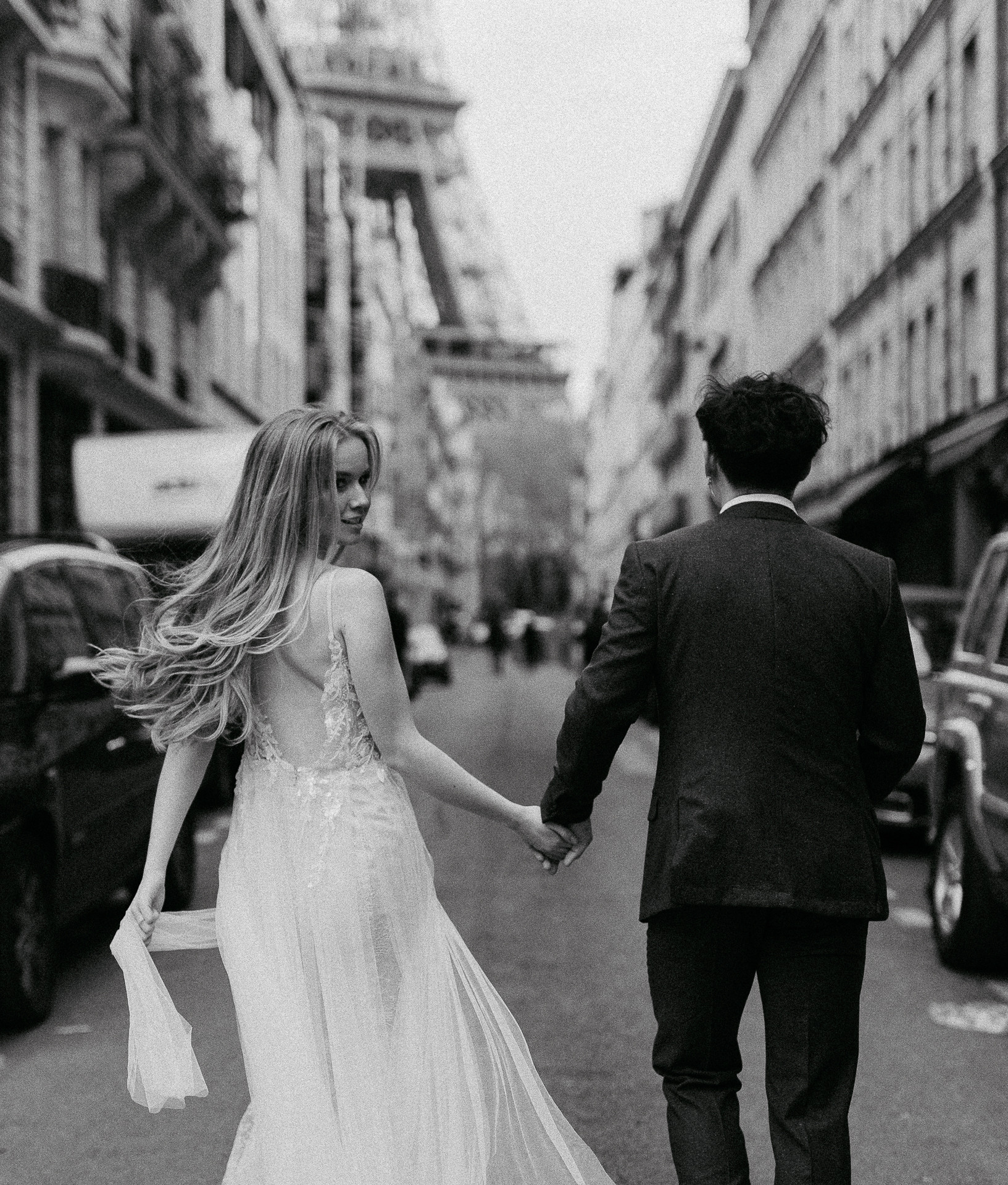 couple photoshoot in paris bride and groom