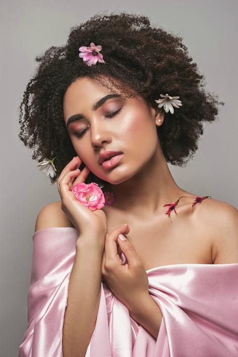 pink glowy makeup