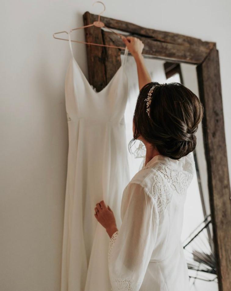 Tripical wedding bride natural makeup