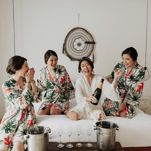 Bridal party. Bridal getting ready. Featured in Junebugweddings.