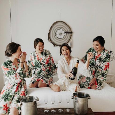Bridal party. Bridal getting ready. Featured in Junebugweddings.