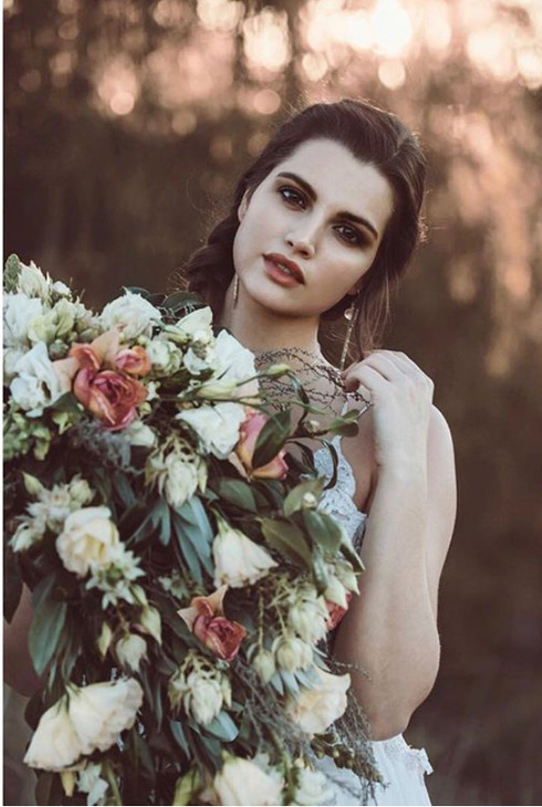 bride makeup flowers
