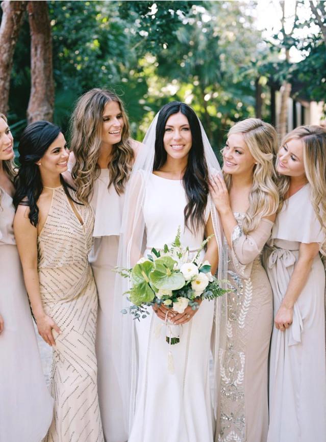 bride bridesmaids wedding dress