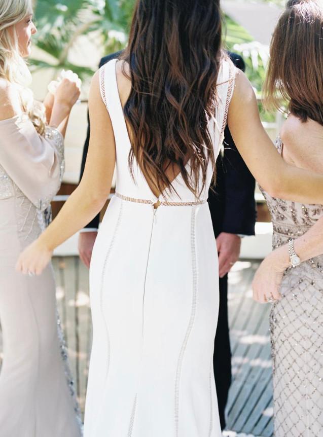 bride hairstyle loose waves natural