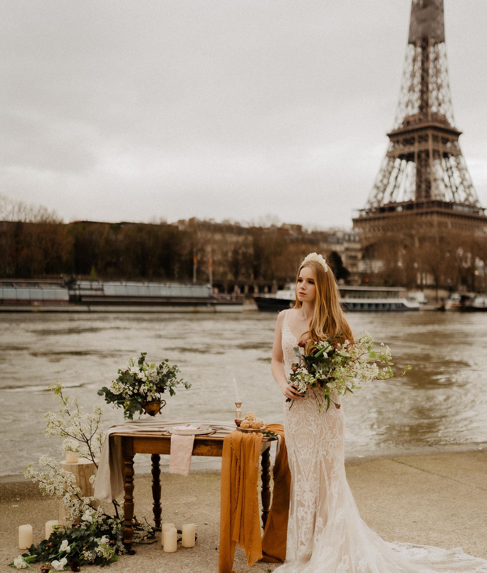 Bride Eiffel tower wedding