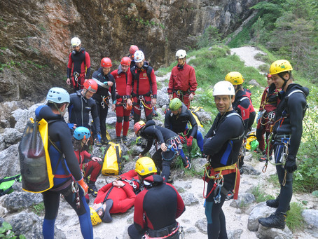Exercise of Slovenian cave rescuers in Fratarica