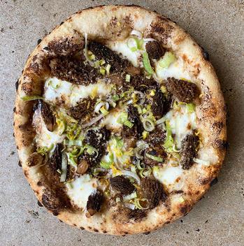 katies-pizza-pasta-home-st-louis-morel_J
