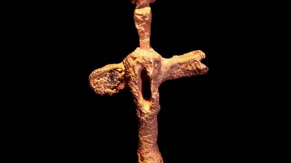 Croce in oro rosso e diamante
