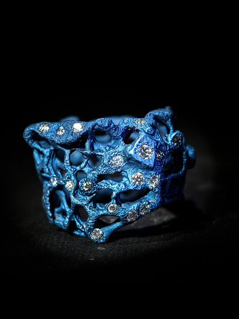 Anello in titanio e diamanti