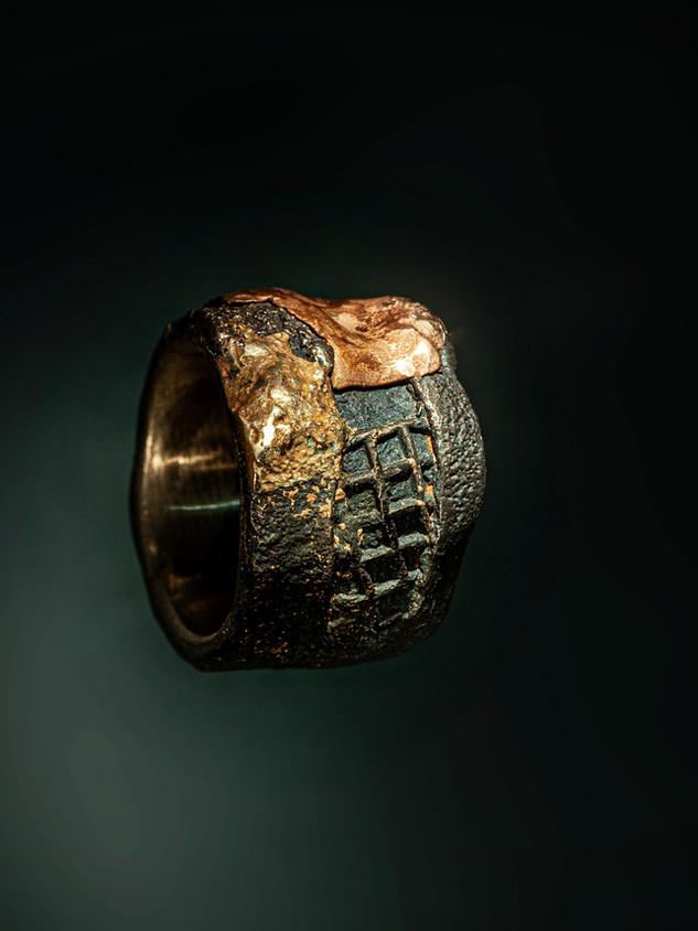 Anello in ferro, argento, rame e bronzo