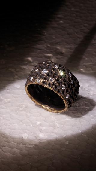 Anello in oro e diamanti