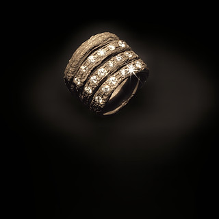 Anello in oro e diamanti