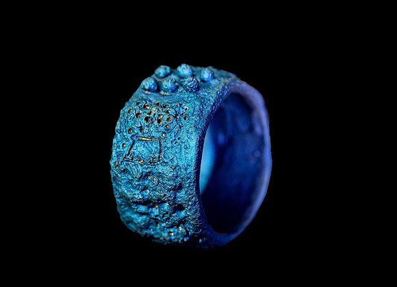 Anello in titanio blu