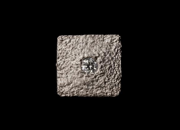 Orecchino in platino e diamante