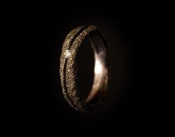 Fede in oro muto rosso e diamanti