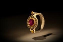 Anello in argento 925, bronzo, oro, diamanti e rubino stellato