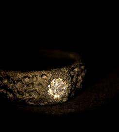 Anello in titanio muto nero e diamante