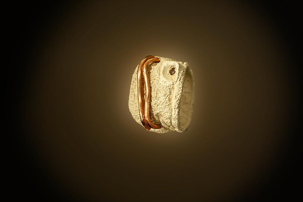 anello grande bianco zeno sfondo caffe.p