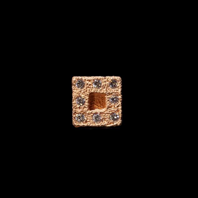 Orecchino in oro muto e diamanti