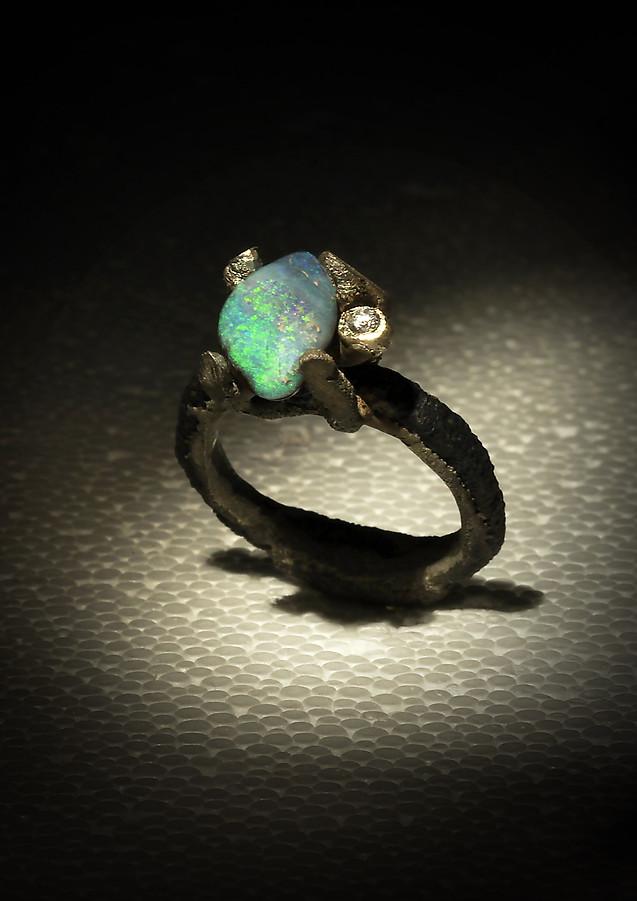 Anello ferro-oro, diamante e opale