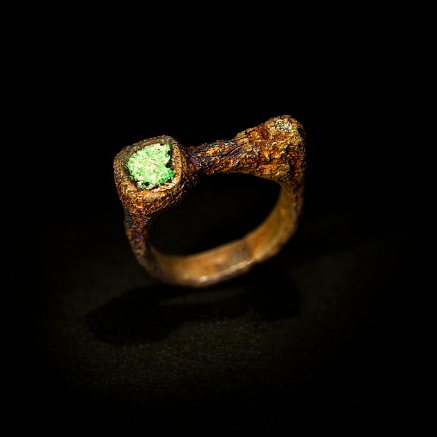 anello in argento, zoisite e diamante