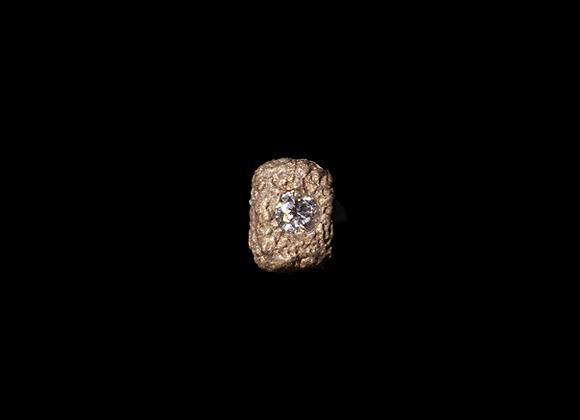 Orecchino in oro bianco e diamante