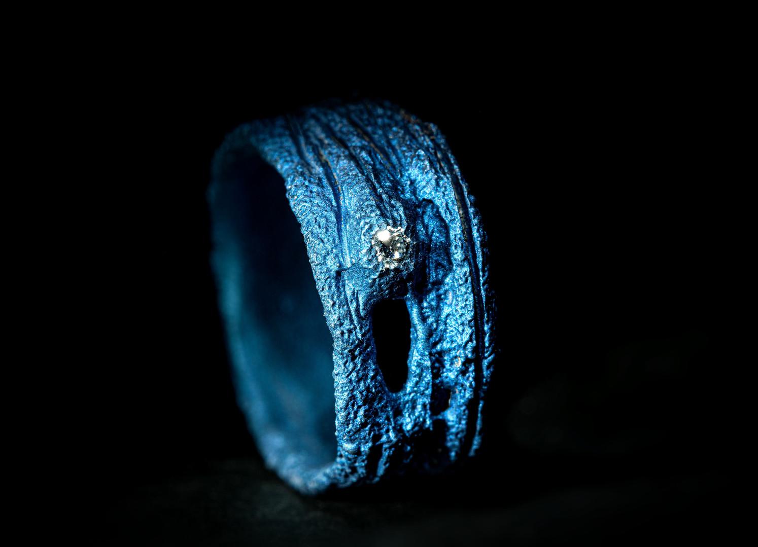 Anello in titanio e diamante
