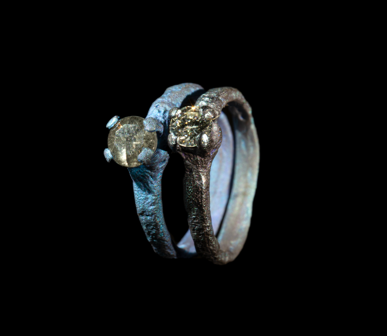 Anelli in titanio e diamanti